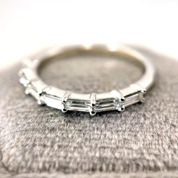 Baguette diamond band