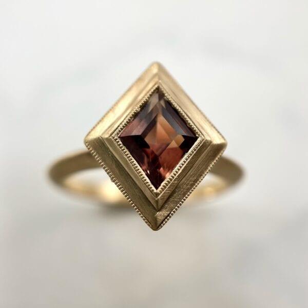 kite shaped sapphire ring