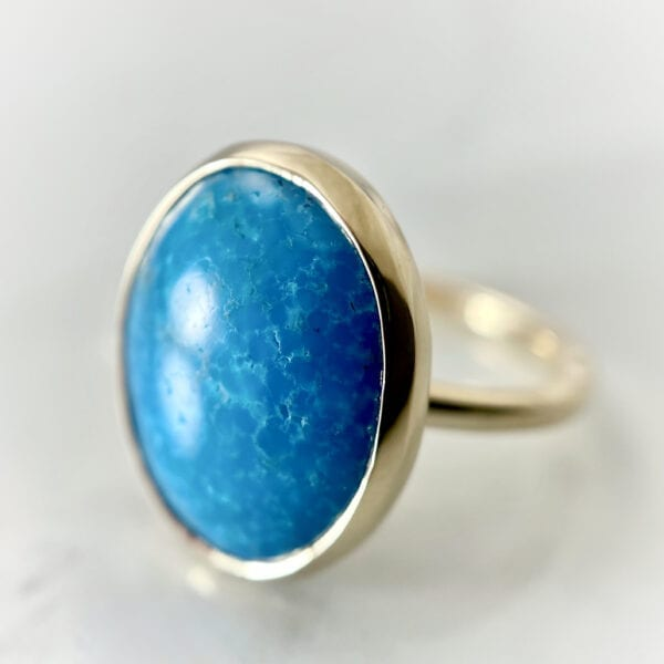 Oval turquoise cabochon ring