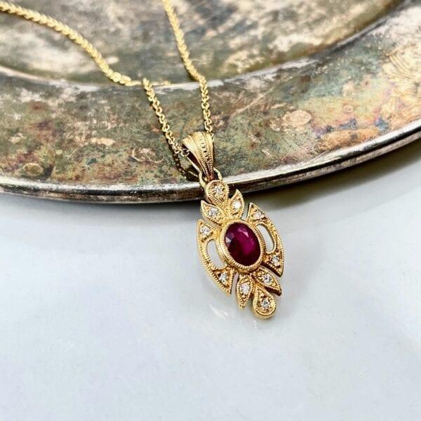 vintage ruby pendant necklace