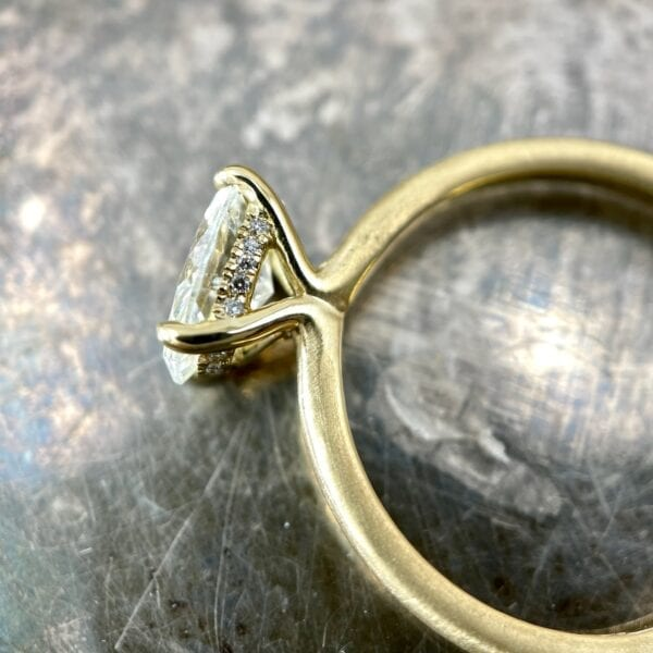 Oval diamond solitaire ring