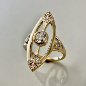 Vintage style cocktail ring